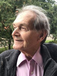 Roger Penrose headshot