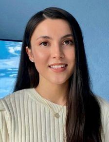 Headshot Collette Pakuza